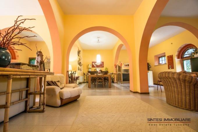 soggiorno-villa-di-lusso-con-piscina-in-vendita-toscana-livorno-san-vincenzo