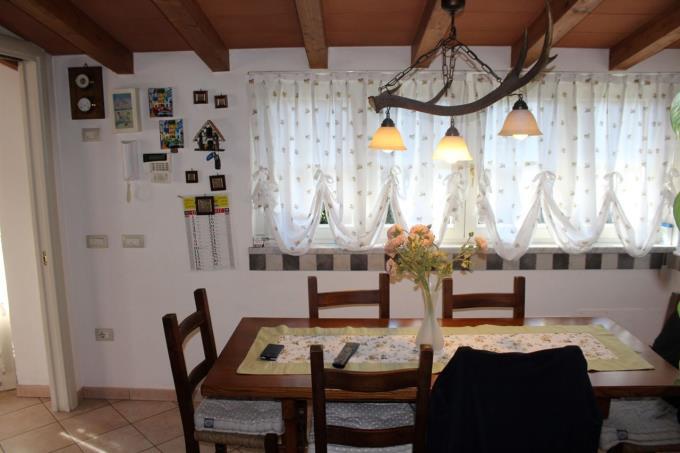 soggiorno-villa-di-prestigio-in-vendita-toscana-lucca-versilia