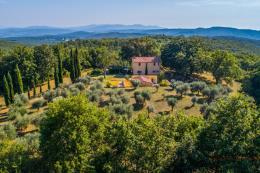 Prestigiosa tenuta con 2 casali piu oliveta in vendita sud Toscana | Maremma | Massa Marittima