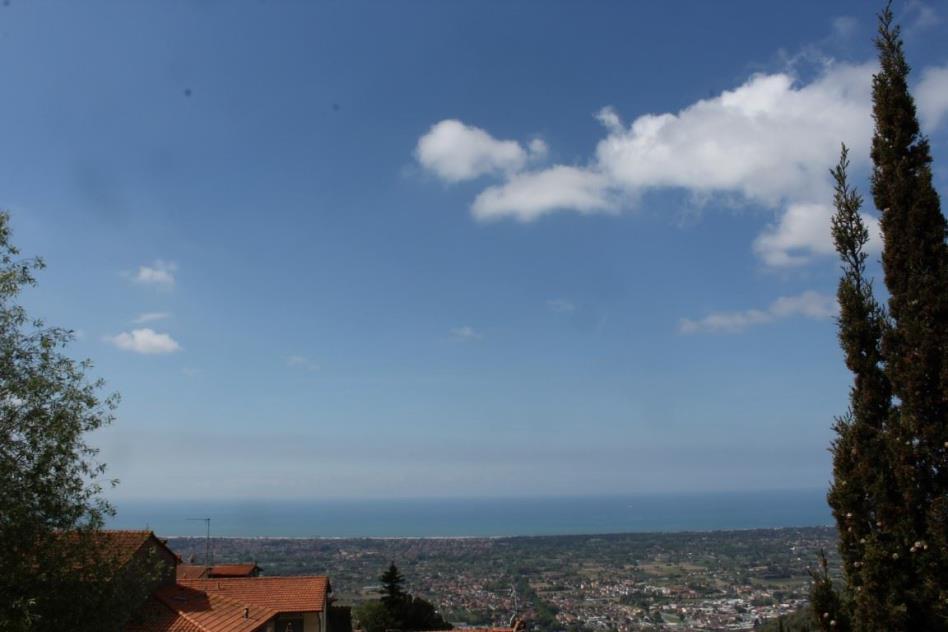 splendida-vista-mare-rustico-in-vendita-toscana-lucca-pietrasanta