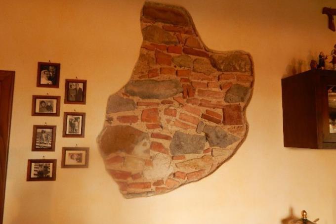 interni-pietra-vista-appartamento-mare-toscana-quercianella
