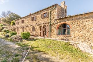tenuta podere le querciole 6 camere | 6 bagni | terreno 9 ha in vendita Toscana| Pisa| volterra