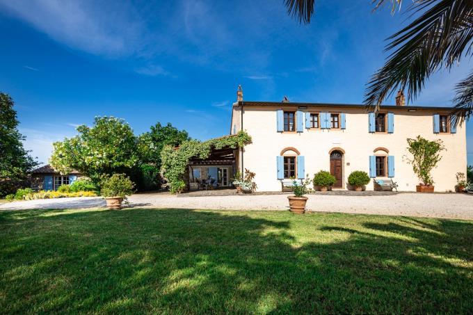 tenuta-con-villa-antica-piscina-vista-mare-in-vendita-Toscana-maremma-massa-marittima