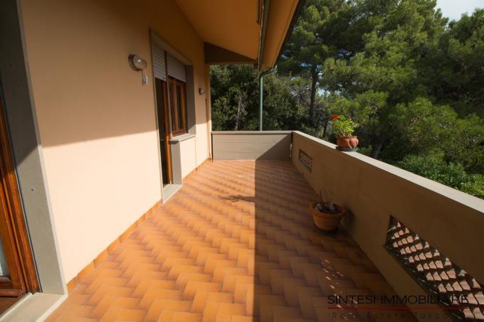 terrazza-porzione-villa-bifamiliare-in-vendita-toscana-livorno-sul-mare