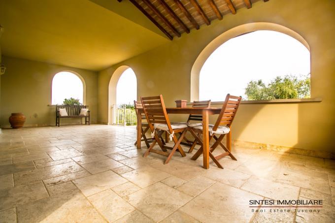 terrazza-ad-archi-villa-di-charme-in-vendita-toscana-costa-livorno-bolgheri