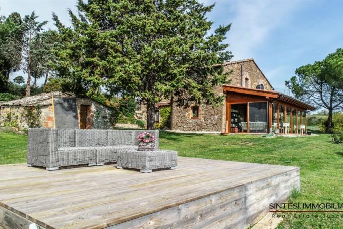terrazza-panoramica-casale-ristrutturato-in-vendita-toscana-pisa-campagna-volterra