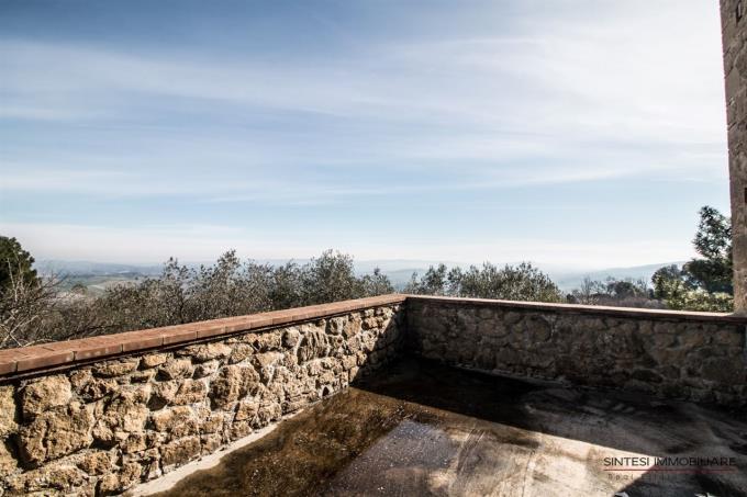 terrazza-panoramica-villa-settecentesca-in-vendita-toscana-volterra