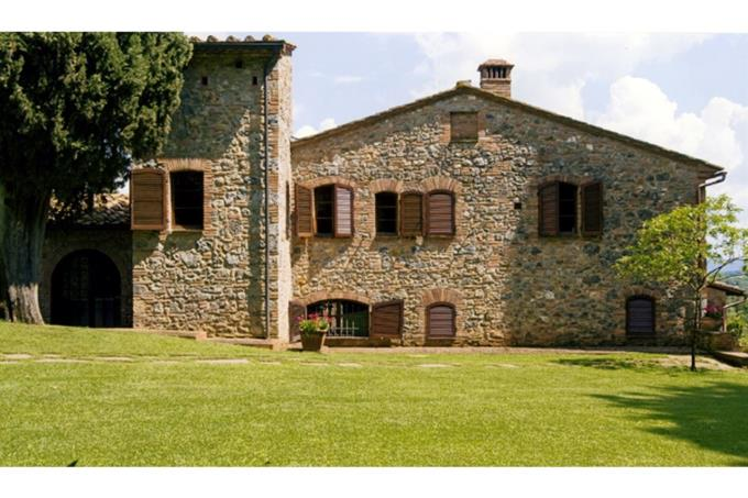 the south side of the XVII th villa for sale in siena landscapes, tuscany.jpg
