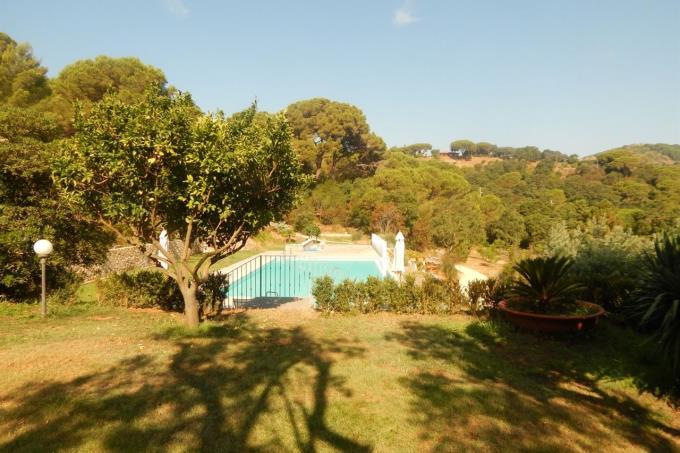 lussuosa-villa-con-piscina-in-vendita-in-toscana-isola-d'elba