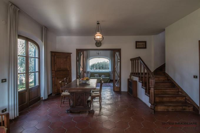 fine-living-of-country-villa-for-sale-tuscany-montescudaio