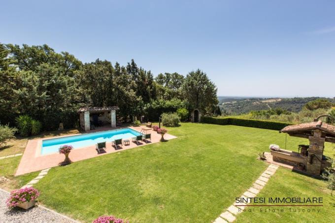 piscina-con-spettacolare-vistamare-villa-vendita-toscana-riparbella