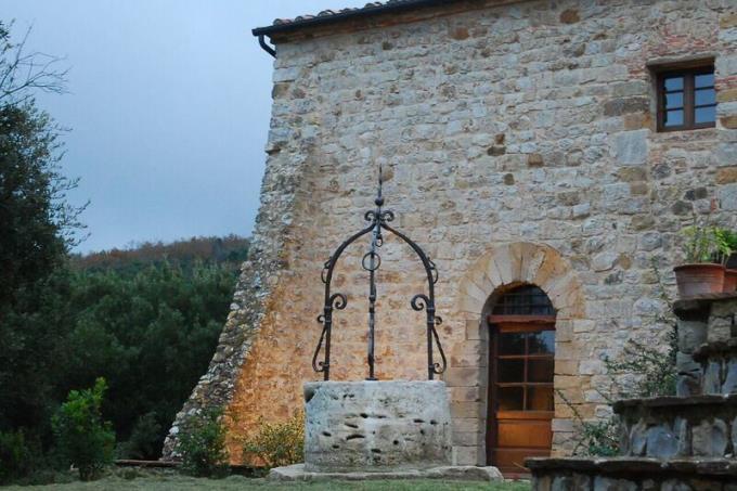 torre-tenuta-con-eremo-agostiniano-incredibile-vista-mare-vendita-toscana-volterra