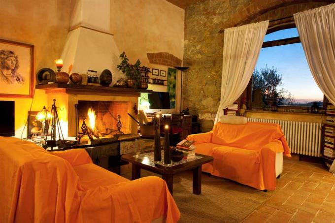 sunset-from-living-of-semidetached-countryhouse-for-sale-tuscany-scansano-grosseto