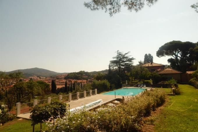 Toscana-isola-d'elba-lussuosa-villa-in-vendita-piscina