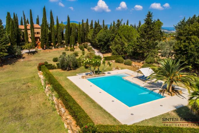 lussuosa-tenuta-con-4-casali-e piscina-in-vendita-toscana-livorno-suvereto