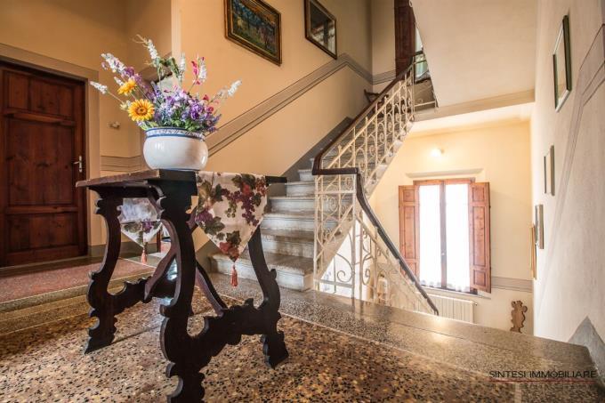 vano-scala-villa-antica-in-vendita-toscana-pisa-terricciola