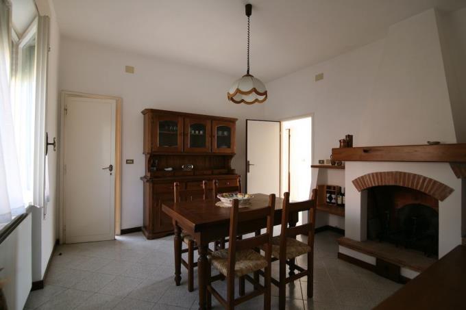 vero-affare-soggiorno-villa-in-vendita-in-toscana-versilia-pietrasanta.JPG