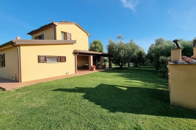 villa-di-prestigio-vicino-spiaggia-piscina-3-camere-in-vendita-toscana-livorno-castagneto-carducci