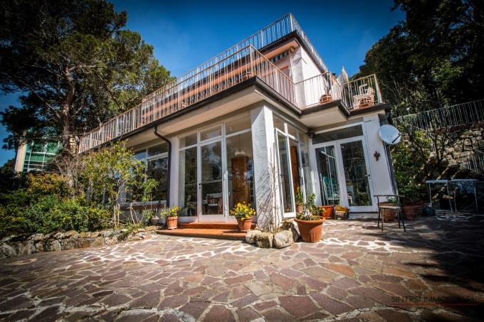 villa-con-esclusiva-vista-mare-in-vendita-in-toscana-costa-livorno-quercianella