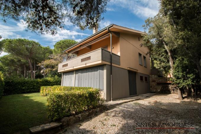 villa-esclusiva-sul-mare-in-vendita-toscana-costa-livorno-quercianella