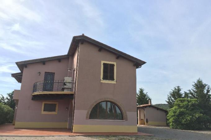 villa-ottocentesca-in-vendita-toscana-magliano.jpg