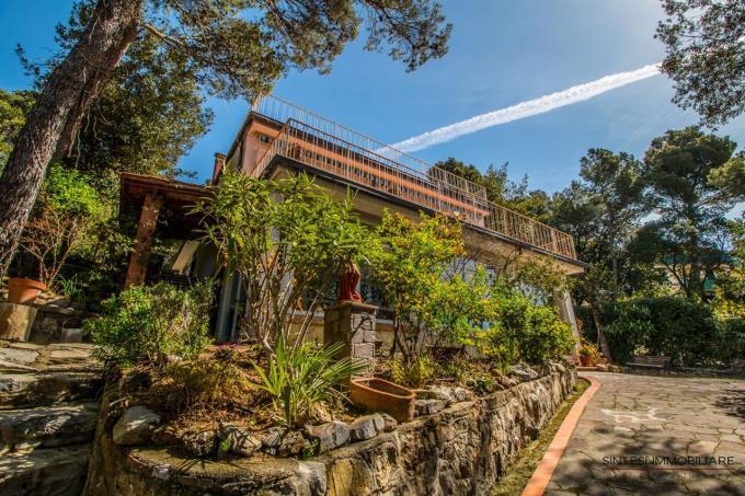 villa-vista-mare-immensa-in-vendita-toscana-costa-livorno-quercianella