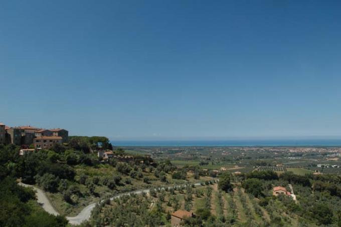 vista-mare-mozzafiato-tenuta-4-ville-vicino-mare-in-vendita-toscana-maremma-bolgheri