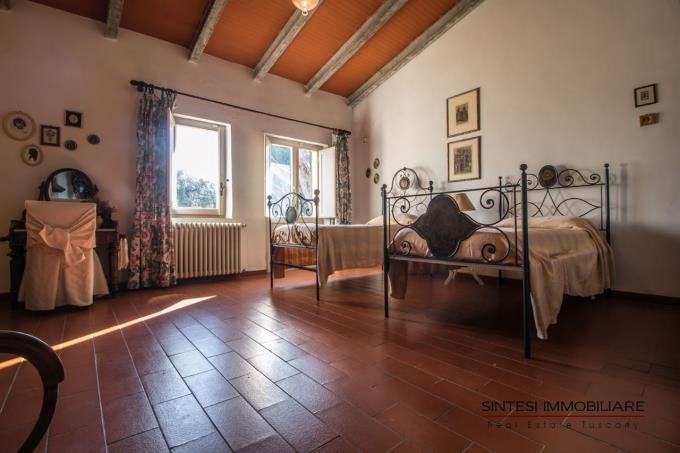 camera-con-letti-singoli-villa-di-prestigio-in-vendita-toscana-pisa-lari